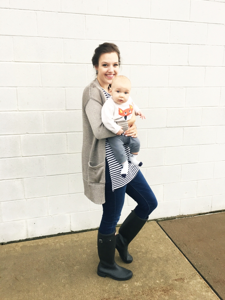 hunter-boots-old-navy-shirt-banana-republic-sweater-baby-babies-r-us-fox-sweater-the-classy-artist-art-blog-post-blogger-minnesota-1