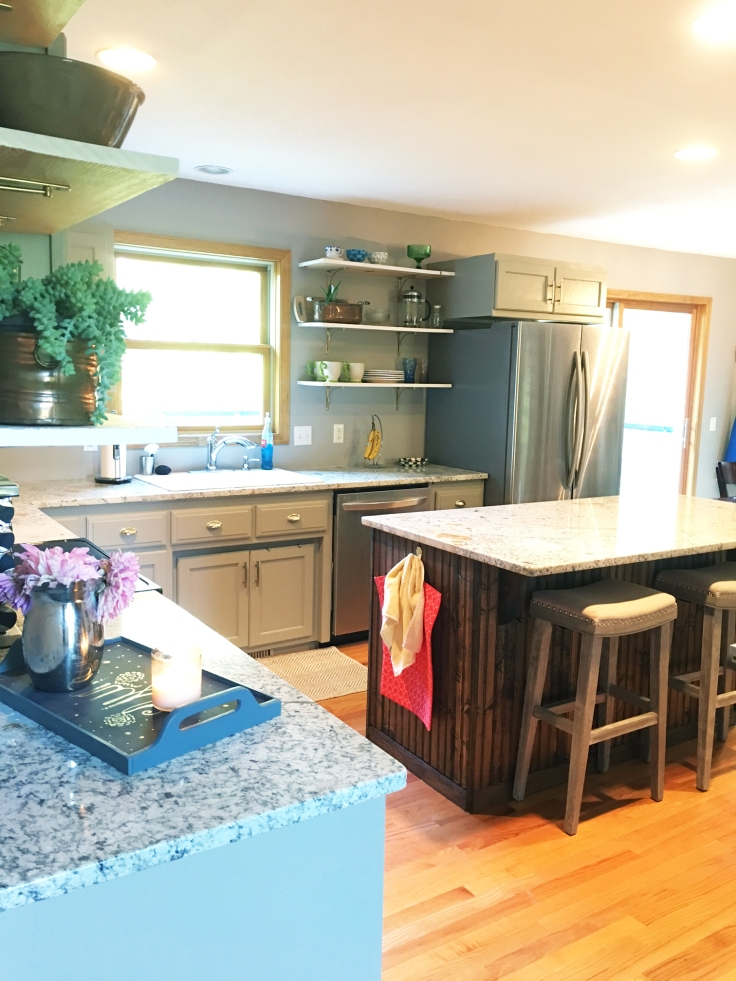 kitchen-before-and-after-oak-cabinet-makeover-paint-ugly-cabinets-grey-kitchen-remodel-diy-3