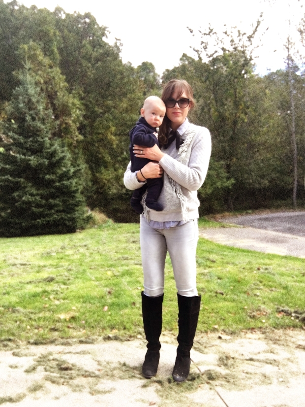 horse-riding-outfit-for-fall-transitional-outfit-for-fall-weather-equestrian-look-with-baby-wolfgang-wearing-a-sweater-onesie